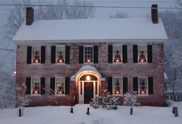 Red brick black shutters white trim for the home pinterest - Red brick house black shutters ...