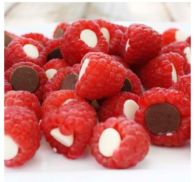 Chocolate filled raspberries | { nothing like food } | Pinterest
