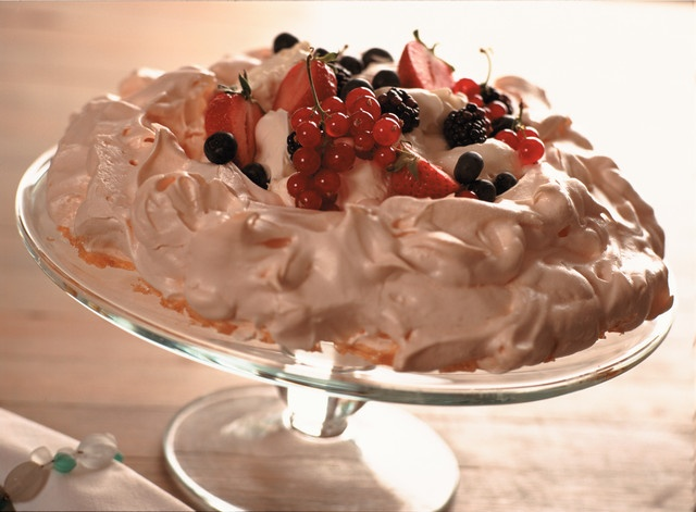 Mixed Berry and Chocolate Pavlova: Here's a really special meringue ...