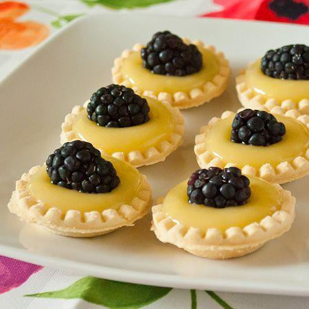 Microwave lemon curd for citrus cupcake fillings! *SO easy! Also ...