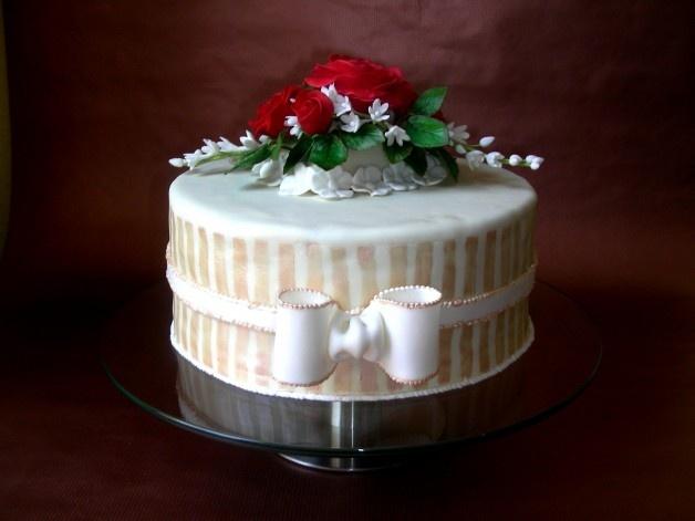 Blumige Torte zur Hochzeit  Torten und Dekoration  Pinterest