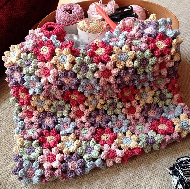 Mollie Flower Crochet Blanket Pattern : Mollie flower blanket Crochet etc Pinterest