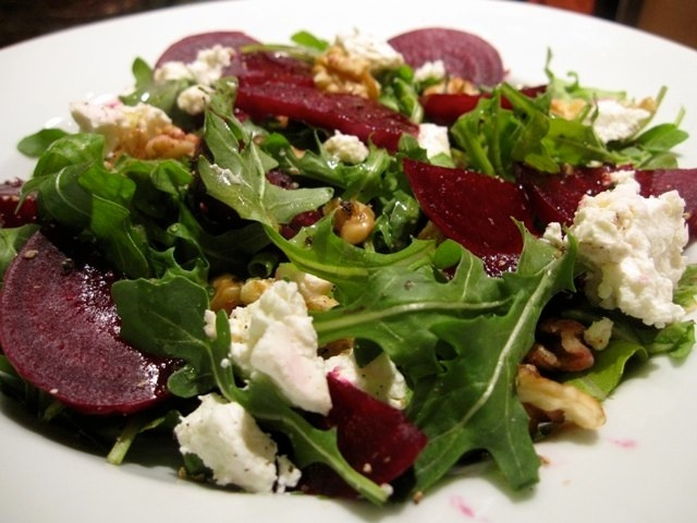 Beet and goat cheese salad | Vegan receipies or more like vegetarian ...