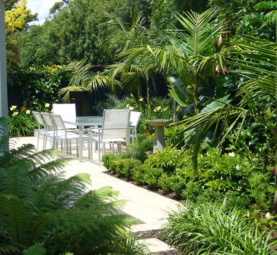 Small tropical courtyard outdoor spaces Pinterest