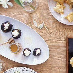 Figs with Ricotta and Honey for a wine and cheese party