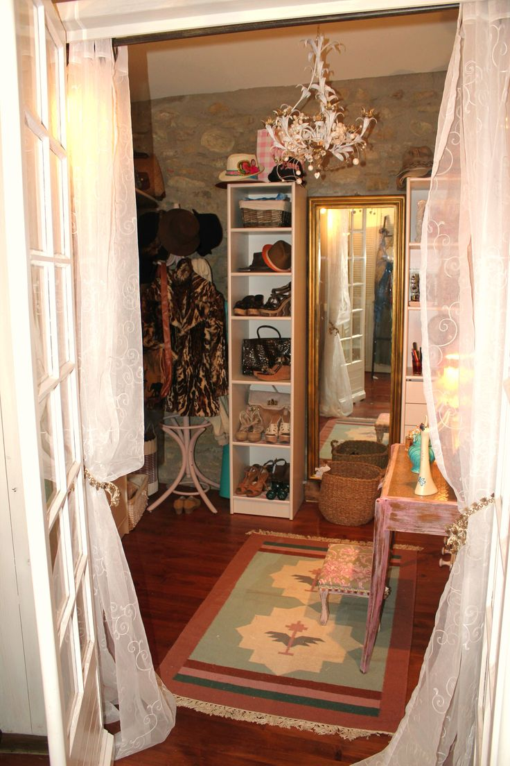 bohemian shabby chic walk in closet closet space pinterest. Black Bedroom Furniture Sets. Home Design Ideas