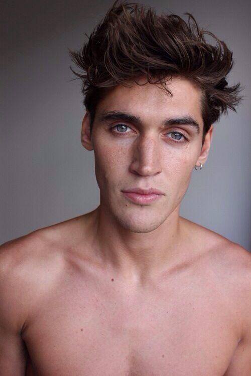 S 90 3 >> Isaac Carew   Male Models   Pinterest