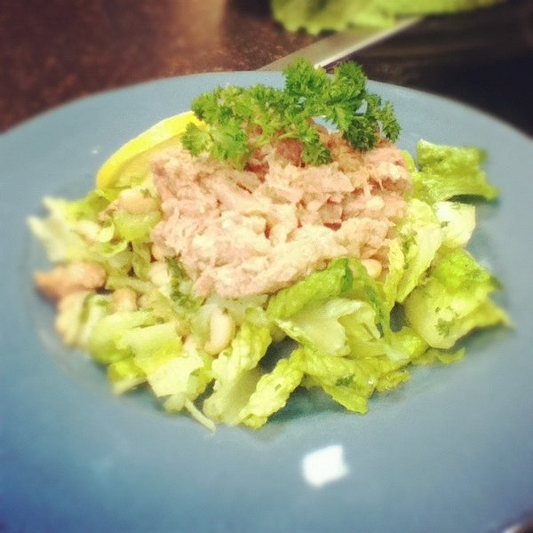 Tuna and white bean salad | Love to cook and drink | Pinterest
