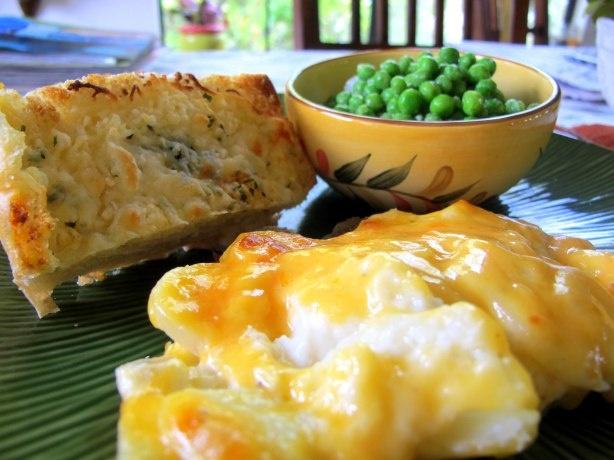 Creamy Au Gratin Potatoes | More cheese please | Pinterest