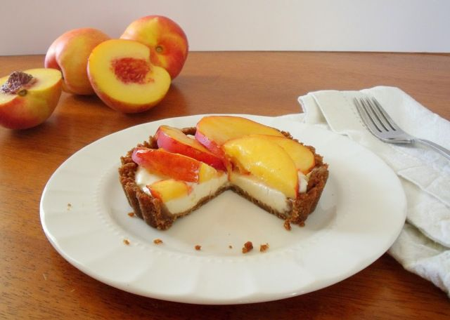 nectarine mascarpone gingersnap tartlets | Sweet | Pinterest