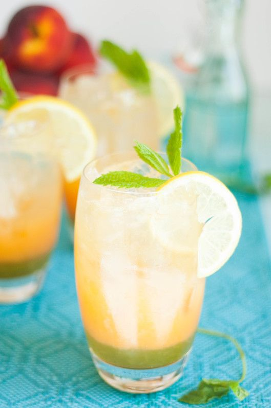 Sparkling Peach Mint Lemonade - The Kitchen McCabe