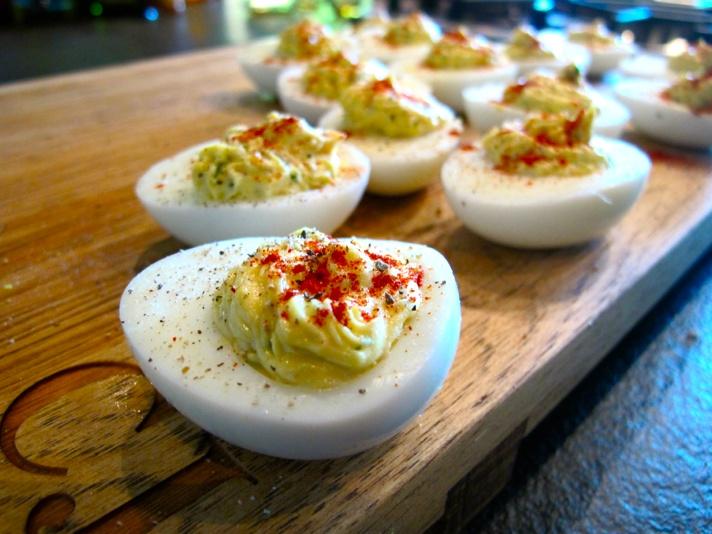 Bacon Deviled Eggs | Yummy food | Pinterest