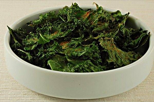 Kale Chips OH MY STARS these are amazing. new obsession.