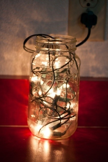 Fill a mason jar with christmas lights lovely lighting for What to fill mason jars with for christmas