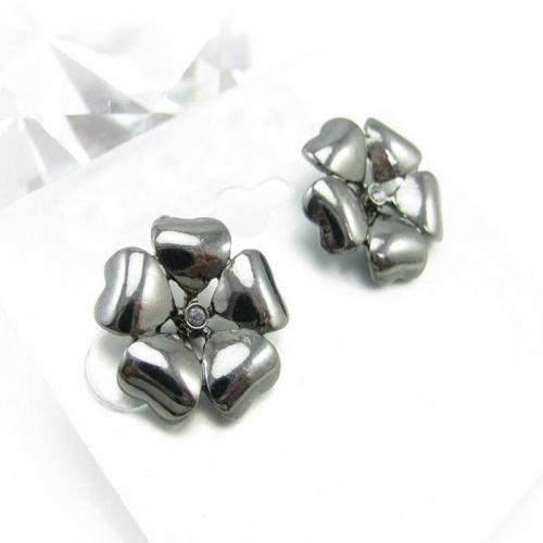 simple silver flower stud earrings style