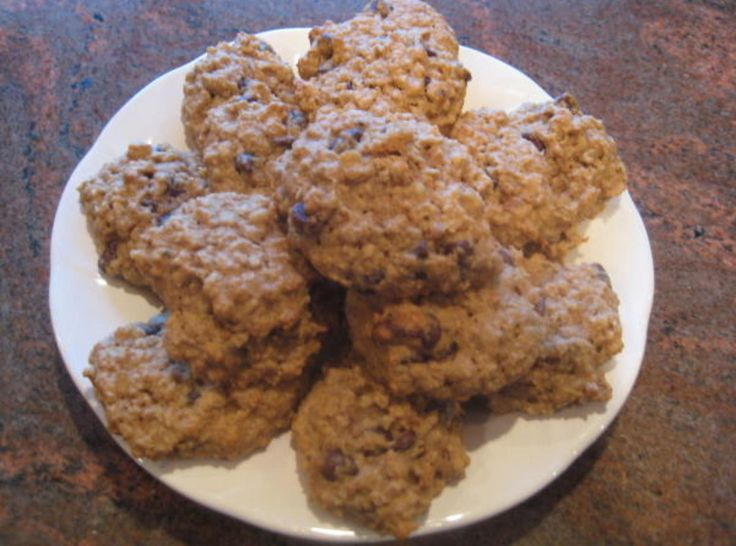 The Best Whole Wheat Oatmeal Chocolate Chip Cookies