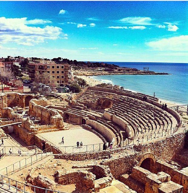 Tarragona Spain  city photos gallery : Tarragona, Spain wide view of ancient Roman amphitheatre