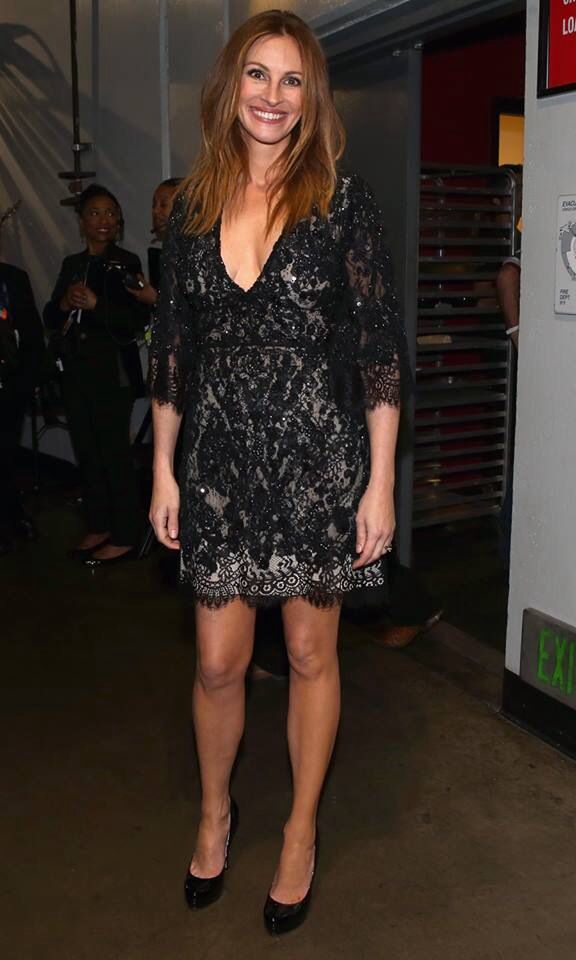 Julia Roberts. Lace dress