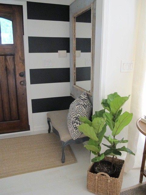 Black stripe wall dig chark 39 s casa pinterest - Mirror in front of main door ...
