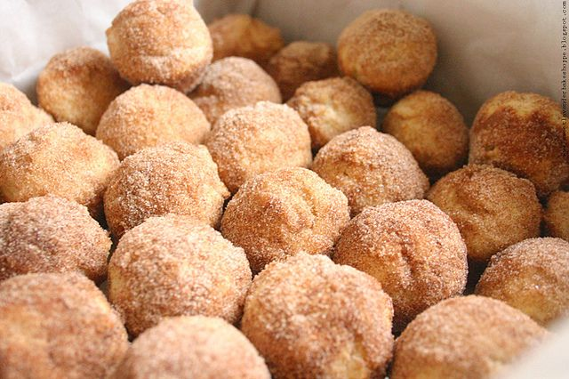 Mini Donut Muffins with Cinnamon Sugar | Food - Cakes | Pinterest