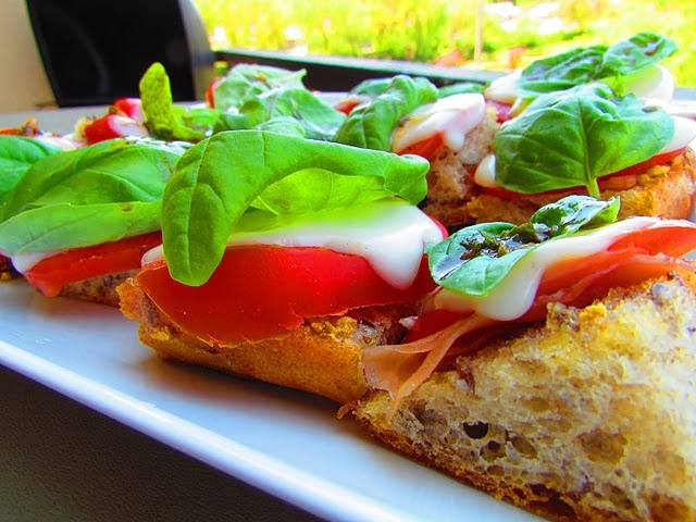 caprese bruschetta. | For the LOVE of Food! | Pinterest