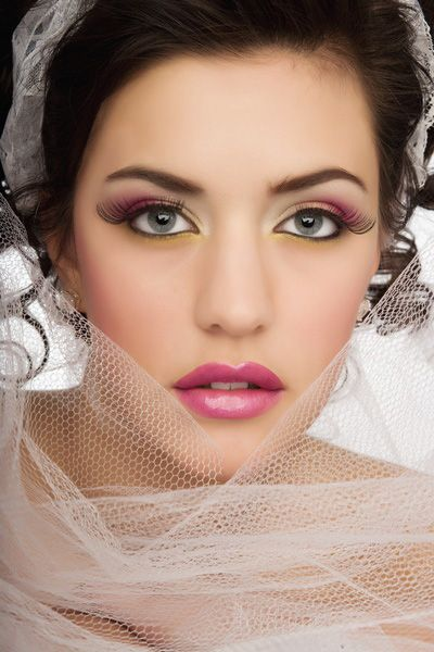 All Day Wedding Makeup : Pin by Bride Sparkle on Wedding Makeup -- How to Look at ...