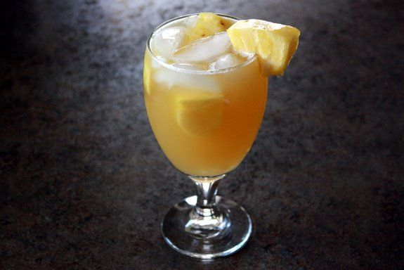 Pineapple juice and ginger ale + rum | Food and drink | Pinterest