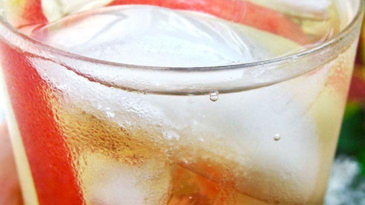 Sparkling White Peach Sangria | Sips | Pinterest