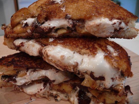 caramelized chocolate banana and marshmallow sandwiches
