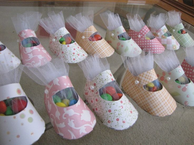 Baby shoe favors craft ideas pinterest for Baby shower craft decoration ideas