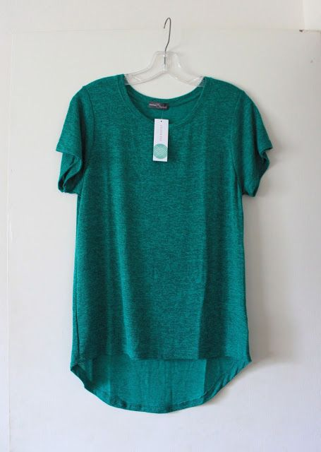 Market & Spruce Sam Hi-Lo Short Sleeve Tee in teal green. Summer staple, super soft tshirt, beautiful color! Fits many styles,