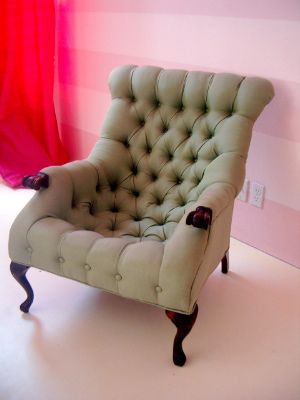 Tufted Chair!