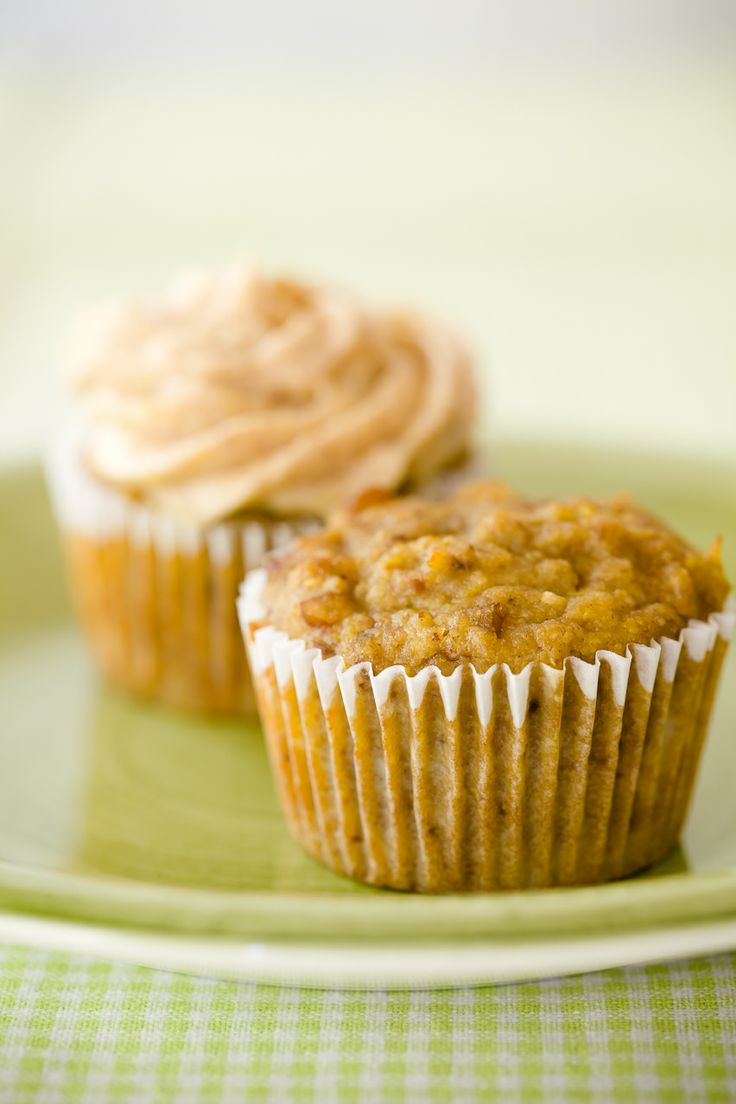 Hummingbird Cupcakes with Pineapple Almond Butter Cream Cheese Frosti ...