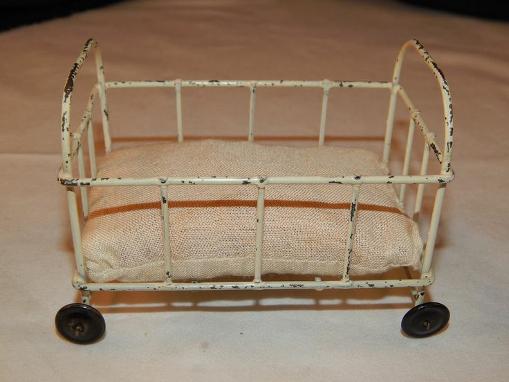 Antique painted metal tin dollhouse miniature baby bed for Baby bed with wheels