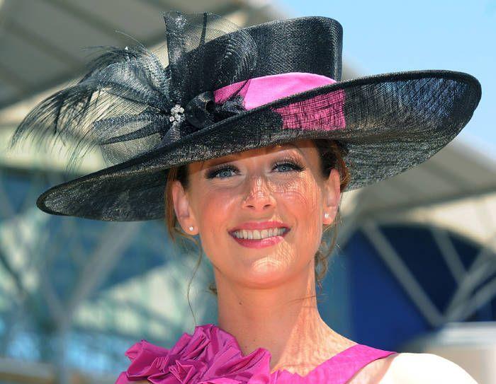 Royal Ascot шляпу