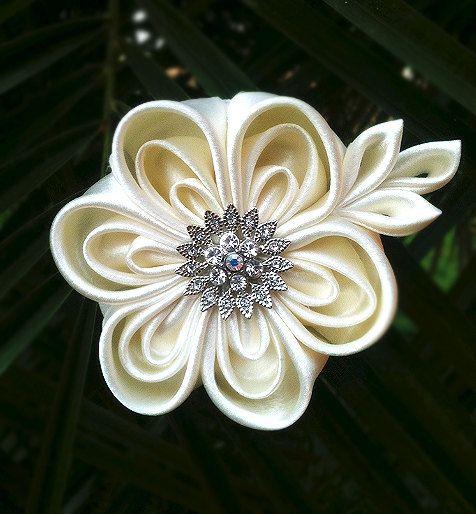 Beautiful Layered Kanzashi Flower - Ivory, $19.99