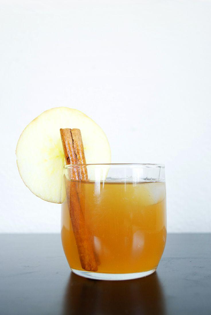 apple cider + bourbon cocktail | Delightful Drinks | Pinterest