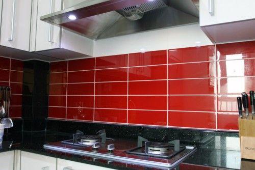 Love the red backsplash!  kitchen ideas  Pinterest