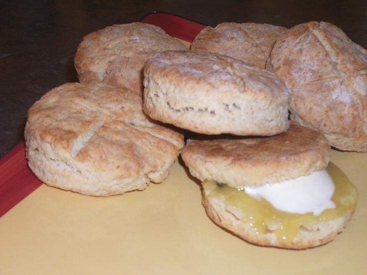 sour cream scones with brown sugar crumble dreamy cream scones