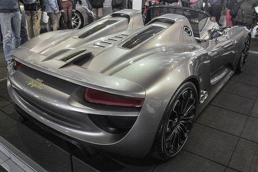 porsche 918 spyder 1 million car sets record lap at nurburgring. Black Bedroom Furniture Sets. Home Design Ideas