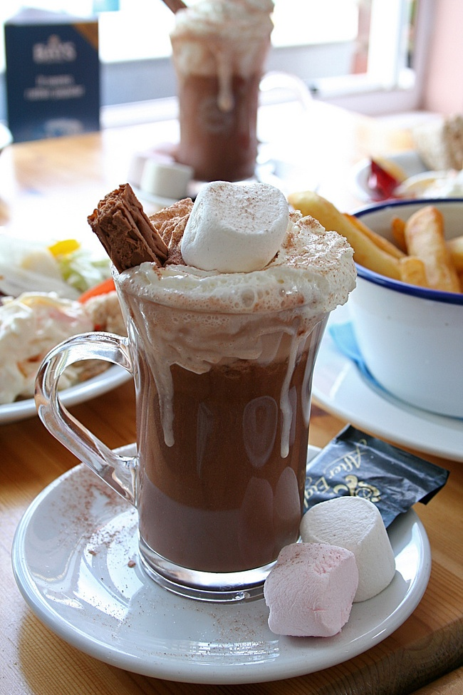 Hot chocolate with marshmallows | Drinks | Pinterest