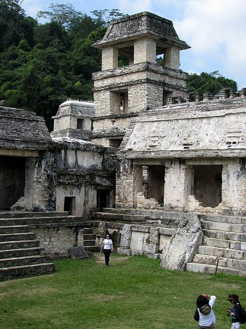 mayan architecture The maya have been an enigma since their discovery in the mid- 19th century maya science developed an elegant mathematic system, an incredibly accurate astr.