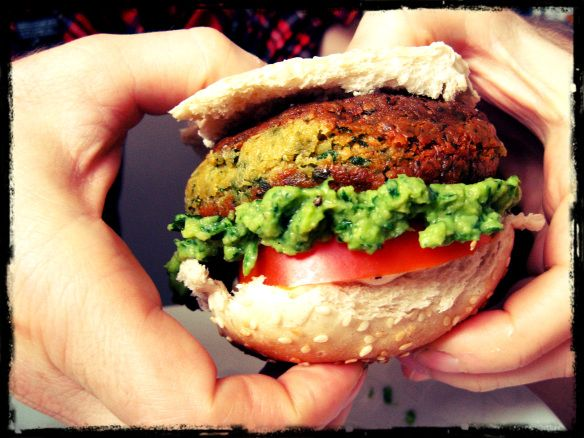 Falafel burger with avocado tahini mayo! | vegan awesomeness | Pinter ...