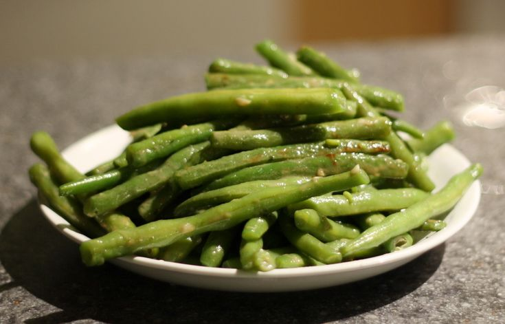 Garlicky Green Beans....for supper tonight!