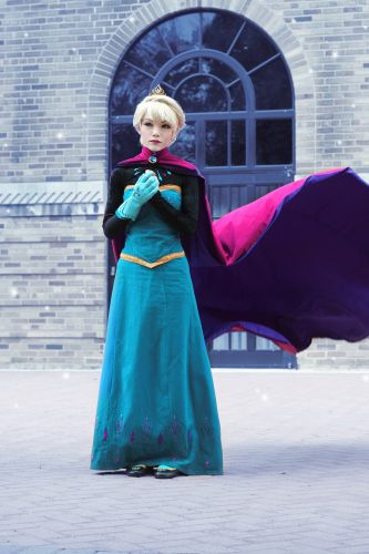 Elsa Coronation Dress Construction Notes by Yuuri-K