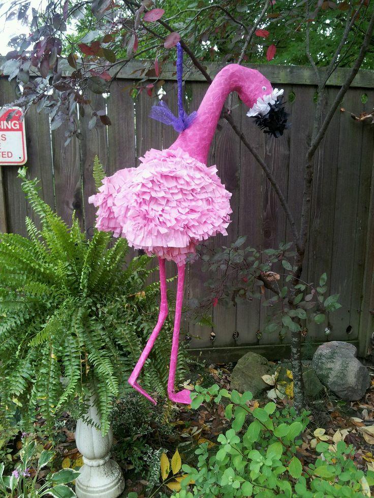 Flamingo pi ata flamingo decor young women camp for Flamingo dekoration