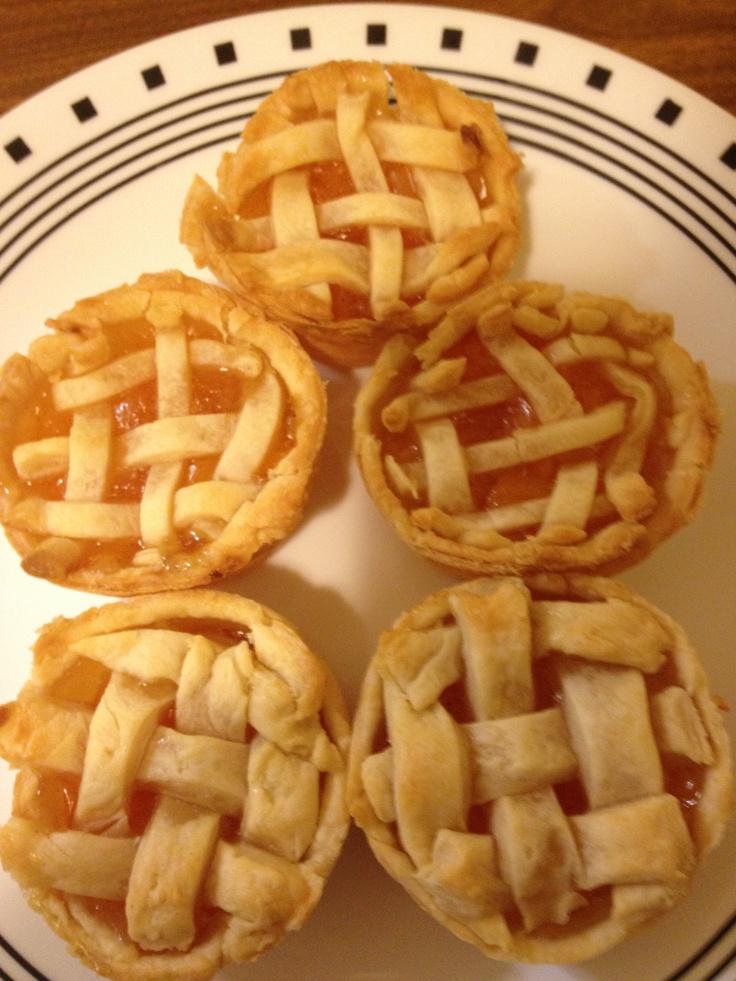 Mini peach pies | cakes,cookies,desserts | Pinterest