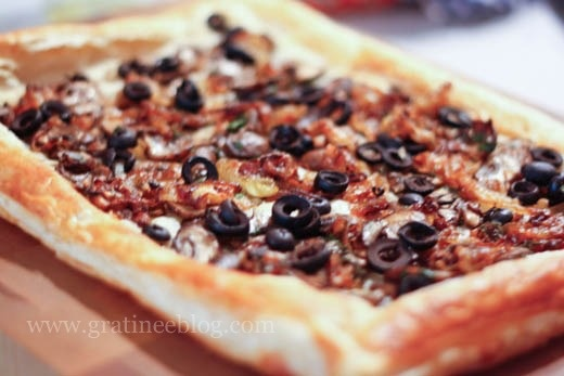 Bacon, Olive, and Caramelized Onion Tart | Appetizers | Pinterest