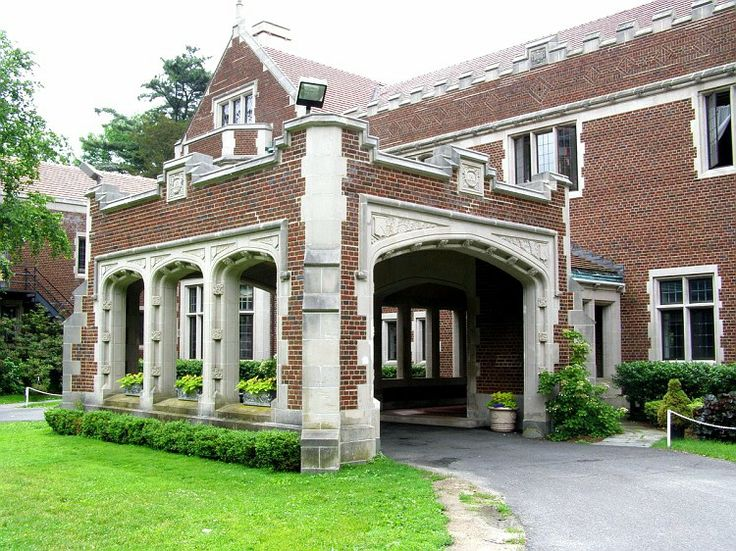 Waveny house porte cochere new canaan ct pinterest for Porte cochere homes