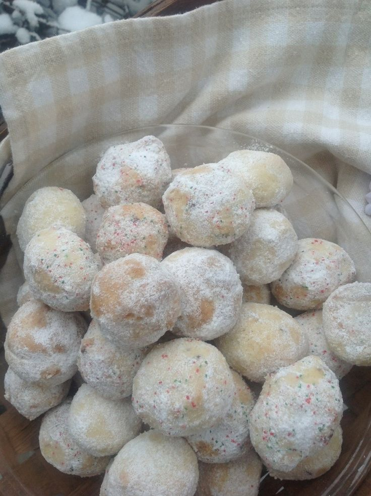 Snowball Cookies in the Snow